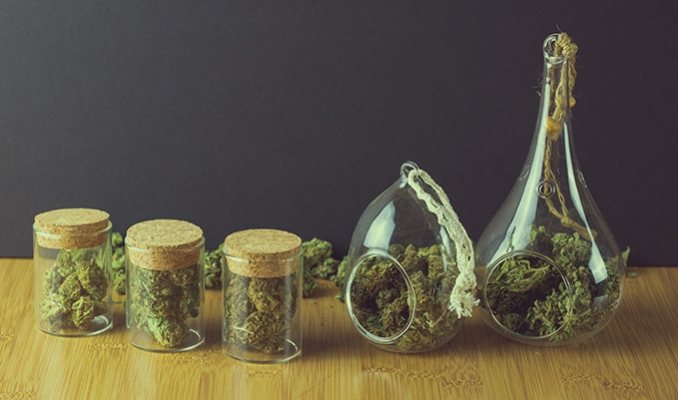 A Guide On Mixing Different Cannabis Strains Together